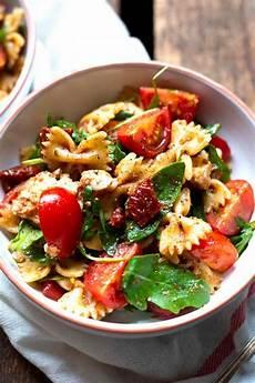 Rezepte Mit Getrockneten Tomaten - italienischer nudelsalat mit tomaten rucola und