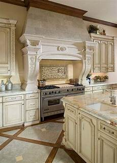 11 luxurious traditional kitchen 23 stunning traditional kitchen decorating ideas 11 in