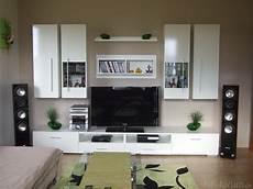 Farbige Wandgestaltung Wohnzimmer Zusammen Mit Lila S 228 Tze