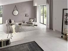 salon de design moderne et peinture en gris taupe