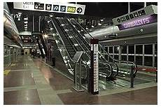 stazione porta garibaldi metro transport in milan
