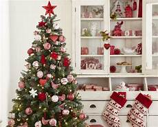 Weihnachtsbaum Rot Weiß Geschmückt - prachtvoll geschm 252 ckt liebevoll dekoriert die sch 246 nsten