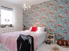 tapete blau schlafzimmer bright bedroom wall decoration with modern wallpaper