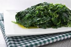 come cucinare gli spinaci come contorno 6 ricette spinaci freschi foto tomato
