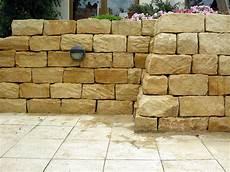 Trockenmauerstein Sandstein Gelb Ocker 15x20x40