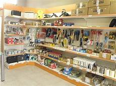 scaffali per ferramenta arredamento ferramenta monza arredo negozio ferramenta