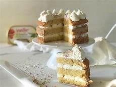 crema pasticcera panna e mascarpone torta con crema al mascarpone la ricetta veloce vall 233 italia