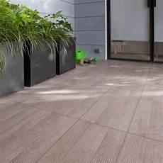 carrelage pour terrasse extérieure pas cher carrelage imitation parquet terrasse ext 233 rieure