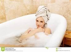 scopare nel bagno scopate in bagno