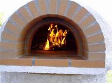 four à pizza bois four a bois pizza horno de barro de le 241 a wood oven