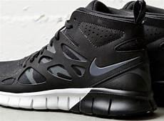 nike wmns free run 2 sneakerboot sneakernews