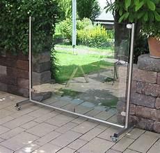 Terrassen Windschutz Glas - mobiler windschutz aus glas l 228 sst sich ganz einfach