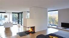 Moderner Panoramakamin Als Raumteiler Plus Ausgezeichnet