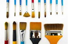 types and shapes of paintbrushes