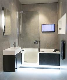 Dusch Und Badewanne - komplettes bad auf ganz wenig raum mit badewanne und