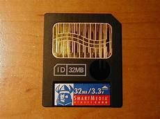 file smartmedia card closeup jpg wikimedia commons