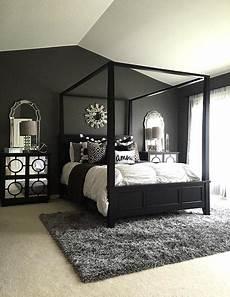 Schlafzimmer Schwarzes Bett - 75 stylish black bedroom ideas and photos shutterfly