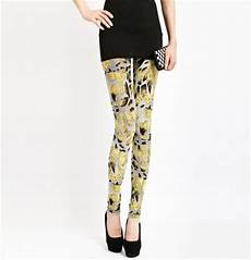 how to wear your printed or patterned leggings