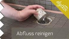 Abfluss Reinigen Mit Essig Und Backpulver Badewanne Und