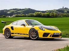porsche 911 gt3 rs weissach package 2019 picture 12 of 110