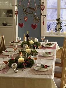 tisch decken weihnachten 15 ideen f 252 r ein gem 252 tliches weihnachten