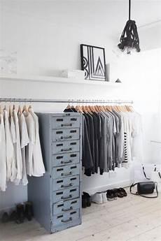 Kleiderstange Begehbarer Kleiderschrank - begehbarer kleiderschrank f 252 r kleines zimmer ideen tipps