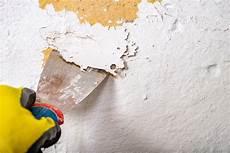 alte wandfarbe entfernen so geht s easymaler de
