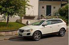volvo xc60 d4 awd summum slideshow autoviva
