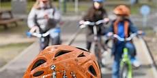 stiftung warentest nur einer 15 fahrradhelmen