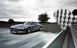 Mercedes Benz SLS Racing Wallpapers