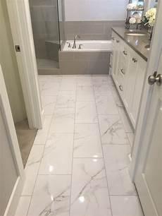 Bathroom Porcelain Tile Ideas I Like Shiny Tile The Loo In 2019 Bathroom Flooring