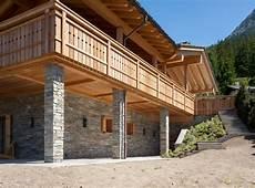 Fassadenverkleidung Und S 228 Ulen Mit Naturstein Gemauert