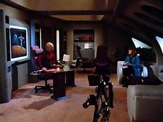 How Much Do Apartment Security Guards Make by 5 Things I Want Out Of Trek Discovery The Agony Booth