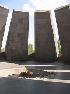 ministro ottomano chi si ricorda oggi dello sterminio degli armeni fare