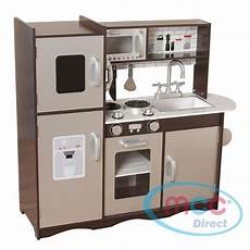 grande cuisine en bois marron et gris pour enfants et
