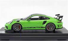 porsche 911 991 2 gt3 rs with weissach package 1 12