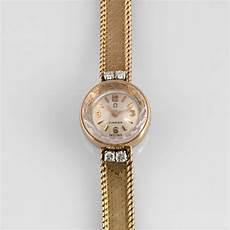montre femme en or omega bracelet montre de dame en or jaune et diamants 2015060788 expertissim