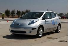 nissan autonomous car 2020 nissan promising autonomous car production by 2020 autoblog