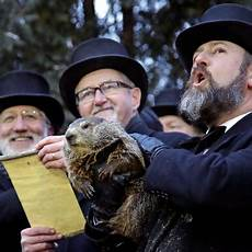 groundhog day 2019 punxsutawney phil predicts an early spring