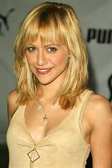 shoulder length blonde curly hair medium length wavy hairstyles for blonde hair 2011 prom hairstyles