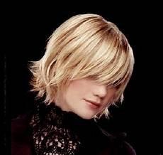 dégradé femme court 29647 test coupe de cheveux avec photo karta