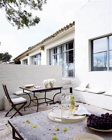 Simplicity And A Inviting Design For This Mediterranean Retreat simplicity and a inviting design for this