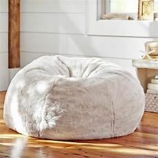 pouf geant doux le pouf g 233 ant un coussin de sol amusant et confortable