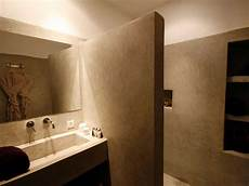 resina piastrelle bagno pavimenti in resina pro e contro pavimento moderno