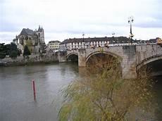 Fichier Montereau Fault Yonne City Center Seen From