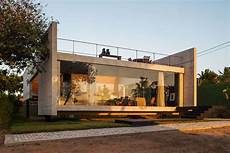 häuser aus container a contemporary concrete home in tibau do sul