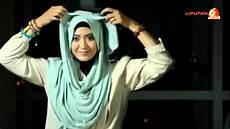 Tutorial Memakai Jilbab Pashmina Modern Untuk Jalan Jalan