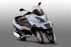 motorrad mit 3 räder das dreirad ist zur 252 ck carver one bilder autobild de