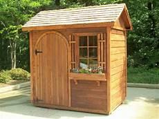 cabane de jardin en bois un abri esth 233 tique