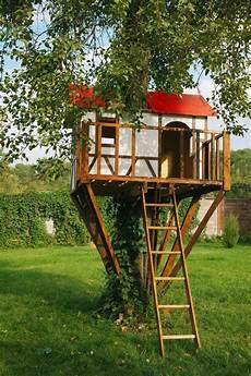 baumhaus garten kinder ein baumhaus f 252 r kinder im garten bauen n 252 tzliche tipps